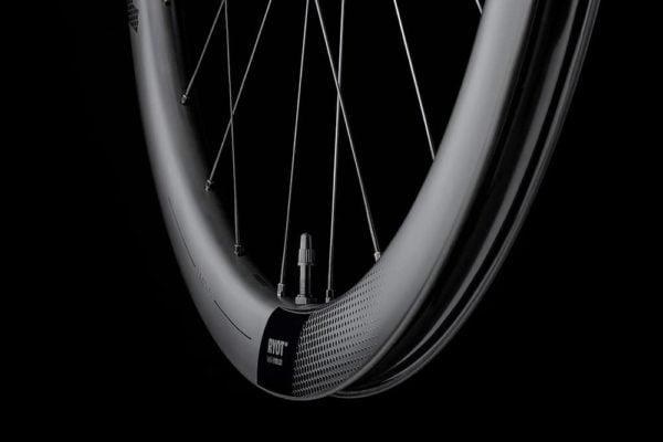 FFWD Wheels RYOT 44mm DT240 EXP Carbon Clincher Disc Brake Wheel 2